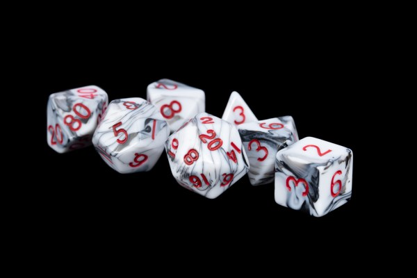 Marble with Red Numbers 16mm Poly Dice Set